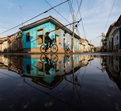 climate-flooding-city-bike