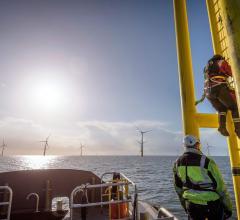energy-ocean-windmills-worker