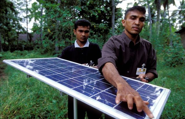 Solar panel for home use in Sri Lanka. Flickr/World Bank Photo Collection