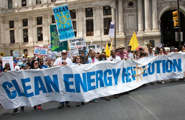 Renewable energy march in Philadelphia