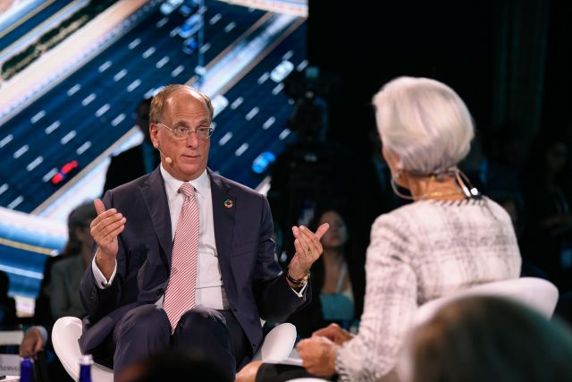 Christine Lagarde interviews Larry Fink at the One Planet Summit in 2018. Flickr/Michael Bloomberg