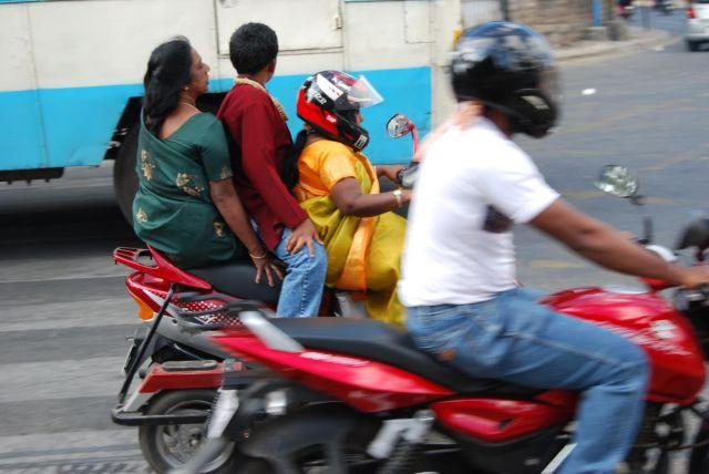 Riding in Bengaluru. Flickr/Peter Richmond