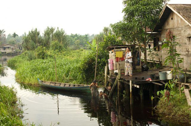 Desun Gembira village in Sumatra, Indonesia. Photo by Rainforest Action Network/Flickr.