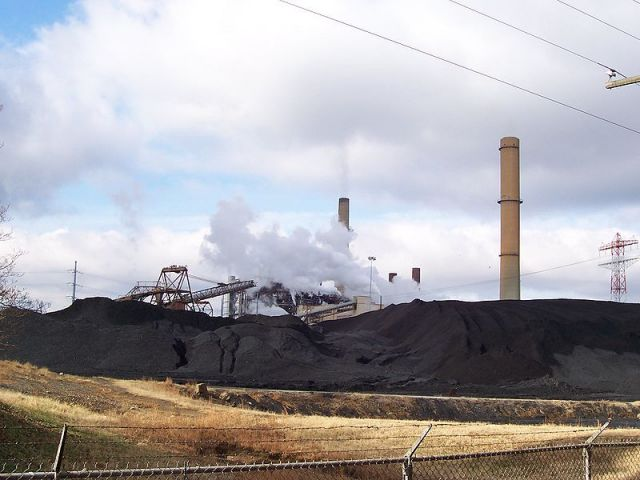 Virginia can meet almost 80 percent of EPA's emission rate target for the state between 2020 and 2030 with its planned coal retirements, as well as using available infrastructure. Photo by Wikimedia Commons.