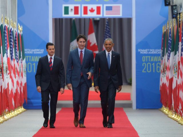 President Enrique Peña Nieto, Prime Minister Justin Trudeau and President Barack Obama at the North American Leadership Summit in Ottawa. Photo source: Presidencia de la República Mexicana/Flickr