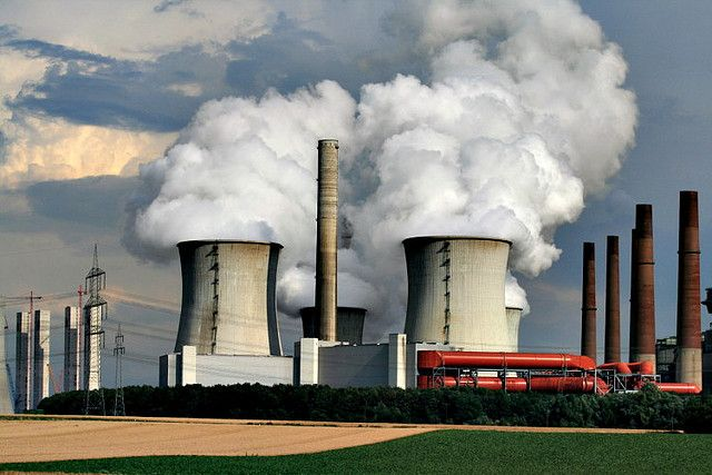 China and the United States forged new partnerships on carbon capture utilization and storage. Photo credit: Jonas, Flickr