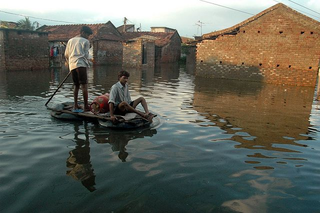 Climate change vulnerability assessments (VAs) convey important, scientifically based information on how exposed and sensitive a population is to climate change, as well as its capacity to adapt to change. Photo credit: Global Environment Facility/Flickr