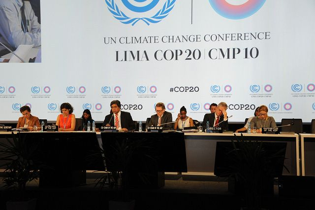 In Lima, negotiators have a short window of opportunity to cut through a tangled knot of potential issues in order to chart a clear path to an agreement that accelerates adaptation action in Paris. Photo by UN/Flickr.