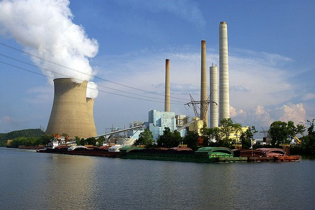 Power plants are the largest source of U.S. greenhouse gas emissions. Photo credit: Wigwam Jones, Flickr