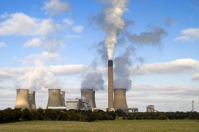 Eggborough power plant. Photo credit: Jon Pinder, Flickr