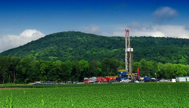 Shale gas drilling site in Pennsylvania. Photo Credit: Nicholas Tonelli/Flickr