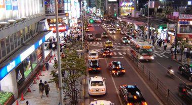 Traffic in Tokyo Reveals Narrow, Safe Traffic Lanes