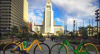 Dockless bikes in Los Angeles. Flickr/waltarrrr
