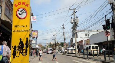Speed limit sign and pedestrian crossing in Rio de Janeiro, Brazil