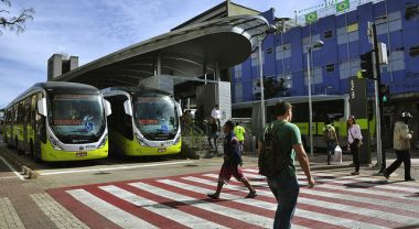 One of the best ways cities can become safer for all is through sustainable transport systems like bus rapid transit (BRT). Photo by EMBARQ Brasil/Flickr.