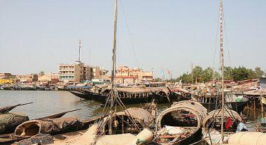Mopti riverfront