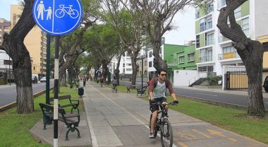 Part of Peru's NAMA funding will go towards expanding bike infrastructure in Lima. Photo by Anton Muhajir/Flickr.