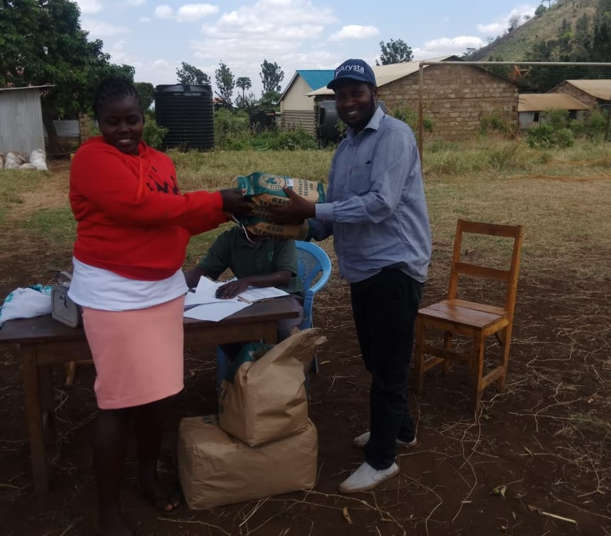 <p>Promoting sunflower farming is one way that Don and PACJA are building climate resilience in Kenya. Photo by Kithinji Don</p>