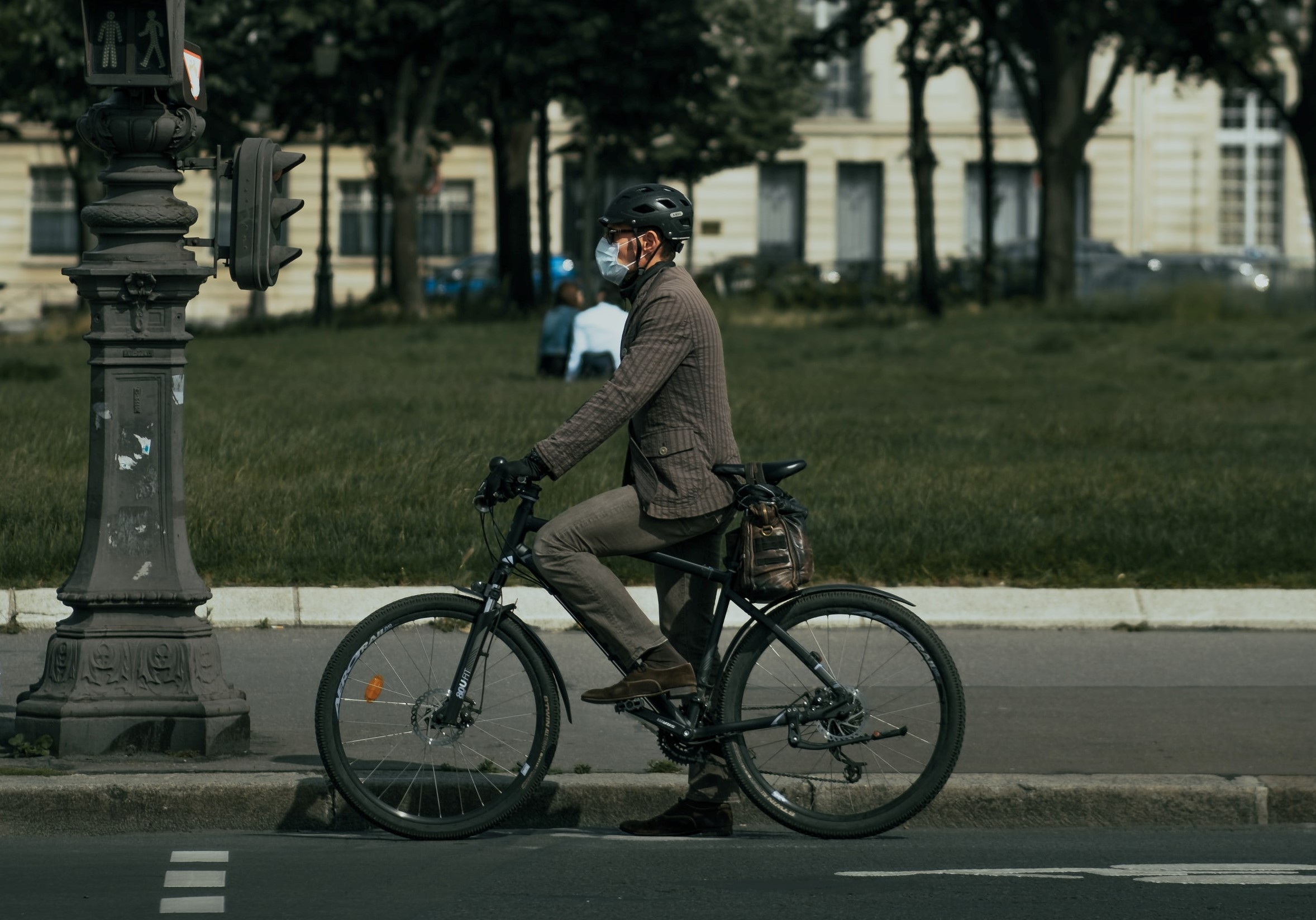 <p>Even prior to the COVID-19 pandemic, bikes proved to be a safe and resilient mode of travel. Photo by Thomas de Luze/Unsplash</p>